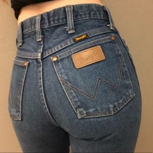 Wrangler Distressed Vintage Style Straight Jeans